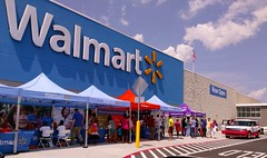 Grand Opening weekend festivities, new Memphis Walmart, June 25, 2016 (l_dawg2000) Tags: new food usa unitedstates tn memphis tennessee walmart pharmacy opening grocery spark groceries grandopening 2016 discountstore deptstore sparklogo formerstuckeyssite blackdecor20 postprojectimpact