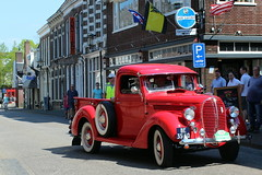 1939 Ford V8 112 Pickup truck (Davydutchy) Tags: auto holland classic ford netherlands car truck automobile tour ride rally may nederland pickup voiture bil vehicle oldtimer frise rit 112 paysbas v8 friesland rallye niederlande bolsward 2016 klassiker klassiek frysln pkw elfstedentocht frisia vetern tocht automobiel boalsert