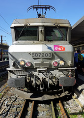 SNCF 507203 - Gares d'Orleans (Neil Pulling) Tags: france sncf orlans loiret bb7200 sncfclassbb7200 paularzens nezcass 507203 garesdorlans