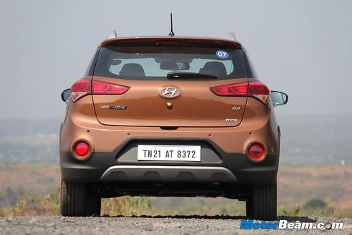 2015-Hyundai-i20-Active-15