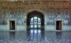 Sha Jahan's Sheesh Mahal (Azarbhaijaan) Tags: pakistan pentax mahal sha lahore jahan sheesh baghdadi pakistaniphotographer pentaxk10d azharmunir drpanga