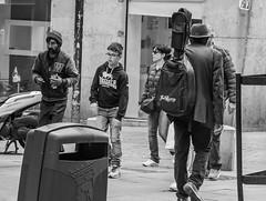Hombre con guitarra (cmarga28) Tags: madrid street city people urban bw digital photography calle spain nikon raw foto shot guitarra negro ciudad personas d750 urbano sombrero users caminando
