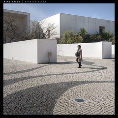 _Q116_L1110973 copy (mingthein) Tags: life street leica people portugal lisbon 28mm streetphotography solo pj q ming 116 reportage typ onn 2817 thein photohorologer mingtheincom availableliight