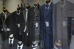 vetrina in trasparenza (eliobuscemi) Tags: negozio vetrina manichini abiti vestiti