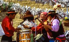 Musik # 076 # Nikon F4s Kodak Ektachrome100 - 1995 (irisisopen f/8light) Tags: film analog nikon kodak dia f 100 ektachrome farbe colorslide f4s positiv irisisopen diafirm