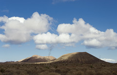 Fuerteventura (Alberto Sen (www.albertosen.es)) Tags: sky mountains clouds landscape island nikon fuerteventura paisaje alberto cielo nubes volcanoes canaryislands isla sen montañas volcanes islascanarias d7000 albertosen
