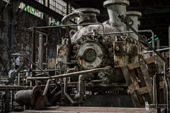 King Kompressor (billmclaugh) Tags: newyork abandoned industry photoshop canon rust industrial factory explore machinery adobe urbanexploration hdr highdynamicrange boiler contraptions compressor onone lightroom unioncarbide urbex tiltshift photomatix thingamajigs 5dmarkiii promotecontrol perfecteffects ef2470mmf28liiusm