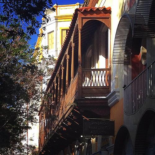 Balcones de la plaza Baralt #exklusive_shot #tbt #instagram #InstaSize #igeramigos #instaloven_zulia #instagramaracaibo #oneography #panorama #ParaisoMaracucho #alcaldiademaracaibo #cielomania #ColoreateVzla #venezuela_capture #venezuela_captures #booking