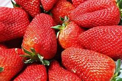 Strawberries (ertolima) Tags: fruit berries strawberries