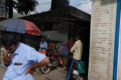 bus stop - munnar (Andrea Cavallini (cavallotkd)) Tags: street india andrea kerala munnar cavallini cavallotkd