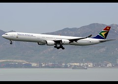 Airbus | A340-642 | South African Airways | ZS-SND | Hong Kong | HKG | VHHH (Christian Junker | Photography) Tags: china plane hongkong airport nikon sticker asia aircraft aviation 531 landing airline airbus sa arrival nikkor dslr heavy hkg saa sar skydeck a340 springbok t2 lantau d800 clk 70200mm widebody terminal2 planespotting cheklapkok staralliance hkia a340600 southafricanairways a346 hongkonginternationalairport hongkongphotos a340642 vhhh flickraward 25r wwwairlinersnet zssnd zensational worldtrekker flickrtravelaward sa286 springbok286 superflickers d800e christianjunker saa286 nelsonmandelasticker