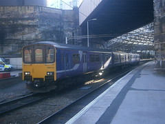 150118 @ Liverpool Lime Street (ianjpoole) Tags: street liverpool warrington central working rail lime northern 142004 2f06 150118
