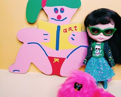 Anouk and BFF Arty Party get up close with our new piece by @misakikawai ❤