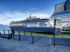 IMG_2636_HDR (sevargmt) Tags: vancouver bc british colombia canada cruise ncl norwegian pearl may 2016 downtown place holland america volendam ship