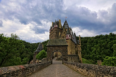 Burg Eltz, (3 of 3), Germany (louelke - on and off) Tags: building castle wow germany burgeltz towers schloss fortress burg