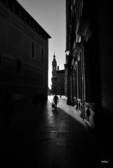 Callejeando (ZAP.M) Tags: espaa contraluz nikon flickr zaragoza urbana aragn nikond60 zapm mpazdelcerro