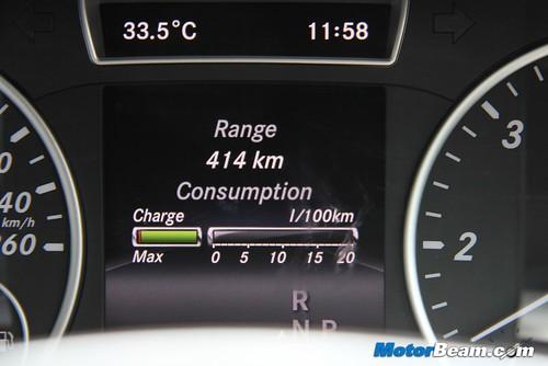 2015-Mercedes-A200-CDI-9