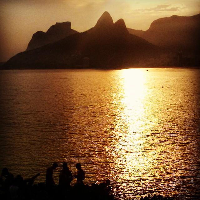 Final de tarde no Rio de Janeiro.  PorDoSol  Sunset  RioSunset  Arpoador a1c8e1a6eec