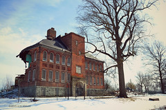 The Still Beautiful Fairmount High School (ilovecoffeeyesido) Tags: architecture midwest demolition smalltown brickbuilding 1898 devastating stillbeautiful fairmountindiana romanesquerevivalarchitecture fairmounthighschool fairmountin jamesdeanshighschool nikond3100 jimdavisshighschool