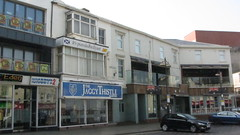 Jaggy Thistle, Queen Street, Blackpool. (deltrems) Tags: bar restaurant hotel pub inn thistle lancashire walkabout tavern eden blackpool jaggy hostelry jaggythistle knobbys2