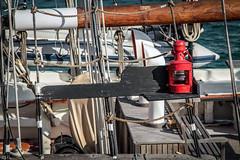 Por Babor (ibzsierra) Tags: luz canon boat barco ship ibiza 7d eivissa baleares roja seal luminosa babor 24105isusm vesse