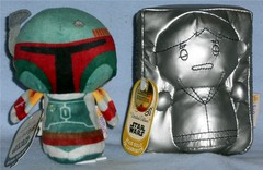 Hallmark - itty bitty Fett & Prize (Darth Ray) Tags: from star you solo boba wars han hallmark sdcc fett forgive itty overpriced carbonite exclusives i not bittys