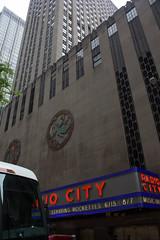 Radio City Theatre, Rockefeller Centre, 5th Ave, Manhattan , New York City (Ardintigh) Tags: rockefellercentre manhattan newyorkcity artdeco comcastbuilding radiocitymusichall johndrockefellerjr 1930s rockefellerplaza 5thavenue raymondhood josepmariasert americanprogress isamunoguchi skyscraper