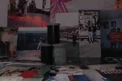 Recuerdos, rollos y fotos.  (Xic Eseyosoyese (Juan Antonio)) Tags: 3 digital canon mexico is fuji kodak interior 4 x powershot fotos mexicanos konica mm 35 hermanos recuerdos presente analogica futuro pasado rollos fotograficos sx170