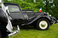 Citron Traction Avant row (Eric Flexyourhead (shoulder injury, slow)) Tags: canada car zeiss french bc britishcolumbia tractionavant citron row line repetition northvancouver waterfrontpark 2016 citrontractionavant 55mmf18 italianfrenchcarbikefestival sonyalphaa7 zeisssonnartfe55mmf18za