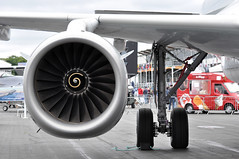 Airbus A319-133(LR) (A380spotter) Tags: internationalaeroengines iae v2500 v2527a5 turbofan engine powerplant undercarriage landinggear maingear wing airbus a319 100lr 100 a7cja  alhilal qatar  qatarairways qtr qr  qatarexecutive qqe qe staticdisplay fia16 sbacfarnboroughinternationalairshow2016 taglondonfarnboroughairport eglf fab