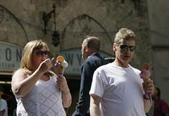 Eating Ice Cream (Roelie Wilms) Tags: ice icecream siena toscane italy itali italia ijs