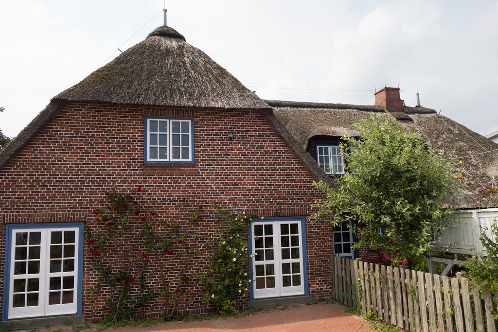 Thatched Roof On Brick House (quinet) Tags: House Germany Haus Maison  Schleswigholstein 2014