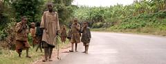 Bambini (yrotori2) Tags: voyage africa travel face faces outdoor bambini persone afrika viaggio visage afrique volti visages volto allaperto bambinidistrada
