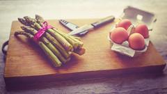 * (clo dallas) Tags: stilllife asparagi uova tagliere cucinare coltelli indoor cook knives eggs asparagus choppingboard canon