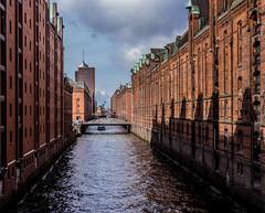 Shadows (*Capture the Moment*) Tags: water architecture wasser hamburg facades architektur speicherstadt fassaden 2016 elemente sonynex7 sonye18200mmoss