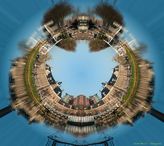 Small Planet De Munt in Utrecht Muntkade ( Echt Mooi! Happy Shooting day!) Tags: nikon utrecht littleplanet nikon2470mm nikond700