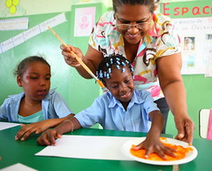 Taller de Pintura y Foami (FundacionTropicalia) Tags: nios taller infantil dominicana creatividad pintura manualidades tropicalia educacin fundacin miches foami