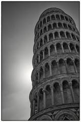 Torre de Pisa, contraluz (Guillermo Relao) Tags: blackandwhite blancoynegro contraluz blackwhite torre bn pisa toscana inclinada torreinclinadadepisa guillermorelao