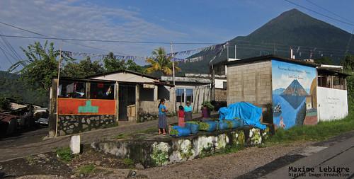 En camino por el lago Atitlan - guatemala