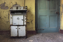 obscurity (andre govia.) Tags: house abandoned kitchen dead decay down andre haunted stove urbanexploration horror ghosts manor derelict decayed decaying ue urbex decayedbuildings urbexdecay missionabandoned andregovia