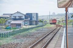 (sinkdd) Tags: station japan train nikon diesel railway jr highkey local toyama nikkor d800 f4g jrwest jr 24120mm diesellocomotive  dieseltrain  nikond800 40 himiline afsnikkor24120mmf4gedvr  shimaostation