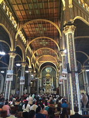 """Cartago: les fidèles marchent à genoux jusqu'en l'autel <a style=""""margin-left:10px; font-size:0.8em;"""" href=""""http://www.flickr.com/photos/127723101@N04/27028535666/"""" target=""""_blank"""">@flickr</a>"""