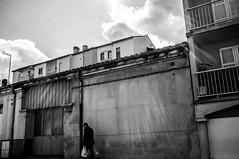 ~25~ (Julien.Rapallini) Tags: light sky man france wall bag french town ray lumire ciel rayon mur ville homme ain sacs blancetnoir oyonnax blakanwhite