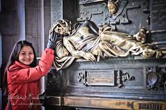 Everard 't Serclaes statue - Grand Place (Grote Markt), Brussels (zajtseffgena5552) Tags: brussels europe belgium grandplace grotemarkt everardtserclaes canonef135mmf20lusm canoneos5dmarkii marboed martinnusbudiarto
