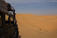 Tunisia 2015: The sea of dunes (mr-mojo-risin) Tags: africa sea sahara car landscape sand desert offroad tunisia outdoor dune tunesia landrover defender westsahara