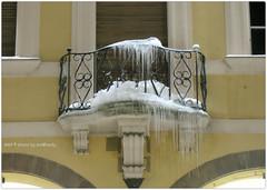 . (zioWoody) Tags: snow ice neve palazzo terrazzo balcone ghiaccio cesena palazzocomunale ghiaccioli palazzoalbornoz