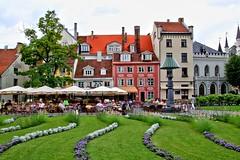Historische Huserzeile 2 (menzelhd) Tags: riga innenstadt lettland historisch huserzeile baltikum