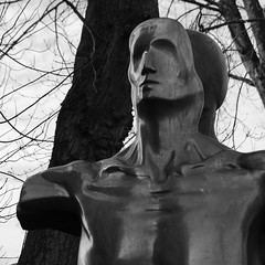 Der Mensch (rgruen) Tags: blackandwhite bw sculpture lumix kunst human bielefeld ostwestfalen skupltur sennestadt