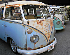 VW bus (kenjet) Tags: show old blue bus classic car vw volkswagen hawaii rust waikiki transport rusty honolulu camper kombi transporter minibus lightblue microbus vwbus hippievan volkswagentype2 lilboi