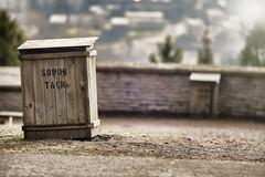 _IMG5239_2 (Robert Björkén (Hobbyfotograf)) Tags: garbage dof 135mm skövde skräp billingehus samyang sopor utsiktsplatsen